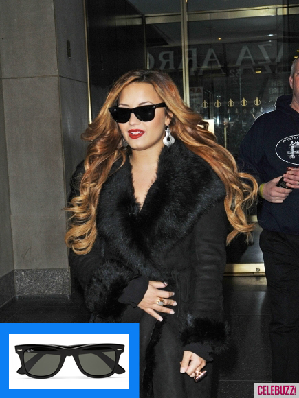 demi lovato in Ray Ban classic sunglasses