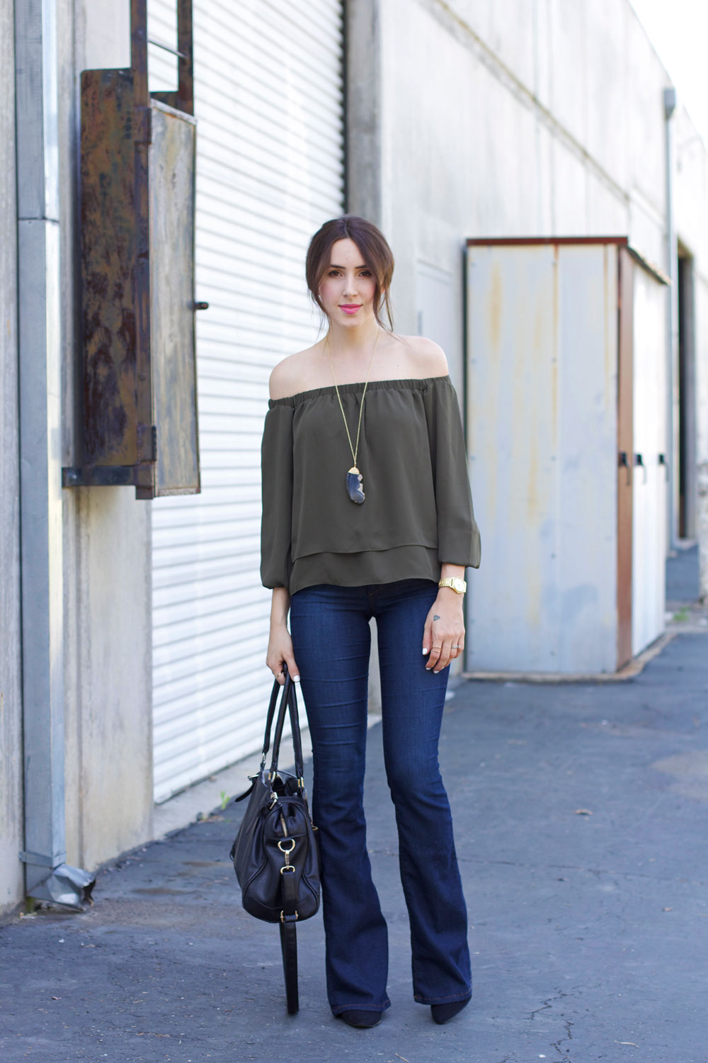 flare-jeans-off-the-shoulder-top-3
